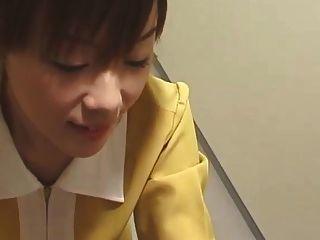जापानी दस्ताने सफेद दस्ताने के साथ handjob