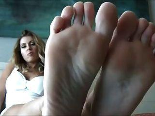 तलवों और परिपूर्ण पैर