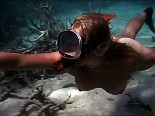 सहमति के हेलेन मिरन आयु 04 (तैराकी नग्न)