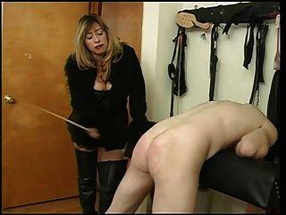मालकिन क्रिस्टियन उसे गुलाम दोस्त spanking