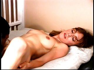 सुपर सेक्सी श्यामला सलाखों के पीछे अपनी जिंदगी का सबसे बड़ा डिक बंद करती है