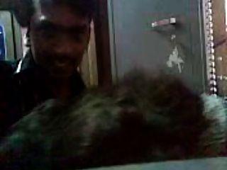 पड़ोसी घर के साथ तमिल चाची का रिश्ता युवा कॉलेज के लड़के