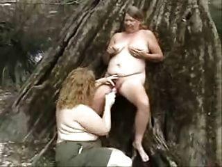 पुराने समलैंगिक वेश्या लकड़ी में मज़ा आ रहा है शौक़ीन व्यक्ति