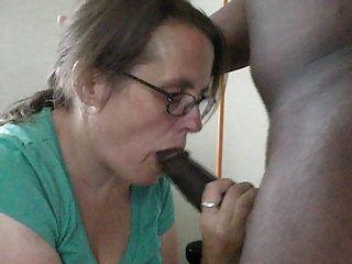 डायोनिसस और घर की नौकर डिक चूसने