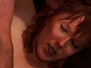 एक पिकनिक पर एक गोरा के साथ आउटडोर सेक्स