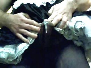 tranny फ्रेंच नौकरानी मुर्गा काले चड्डी में pantyhose cumshot