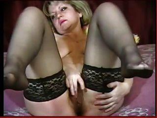 गर्म नाखूनों में गर्म उंगलियां और पैर दोहराना दिखाता है