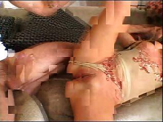 एक एफएम त्रिगुट में अच्छा गोल - मटोल लड़की (सतनिका द्वारा)