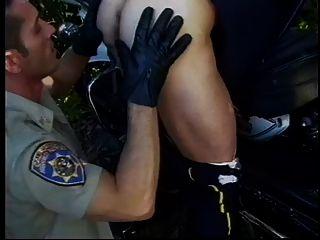 अधिकारियों समलैंगिक सेक्स आउटडोर मुश्किल रोमांच