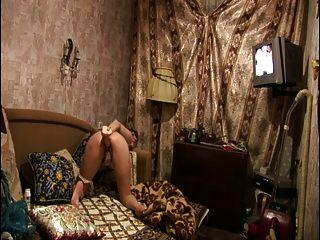 रूसी परिपक्व माँ बड़े dildos प्यार करता है! शौक़ीन व्यक्ति!