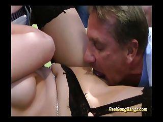 किशोरों के मुंह और योनि को मुश्किल लंड से भरा हुआ है