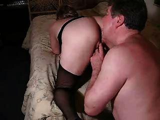 पति ने मेरे फूहड़ से फूहड़ पत्नी का योनी चाट लिया