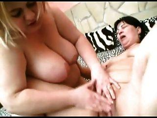 वसा बीबीडब्ल्यू समलैंगिक जीएफ चुंबन, चूसने स्तन, बिल्ली के साथ खेल