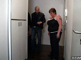 विशाल titted फैटी शॉवर में खराब कर दिया