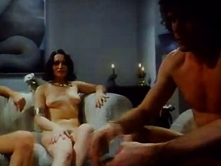 पट्टी पोकर नंगा नाच