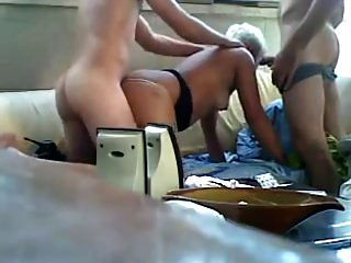 युवा लड़के बूढ़ी औरत बकवास