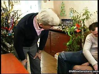 सींग का औरत तीन लंड लेती है
