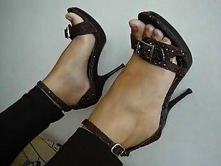 सेक्सी पैर और ऊँची एड़ी 26