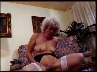 दादी वेश्या # 1 दृश्य 3