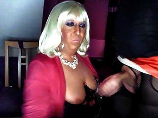 chrissie तुम्हारे लिए एक tranny बंद बेकार है!