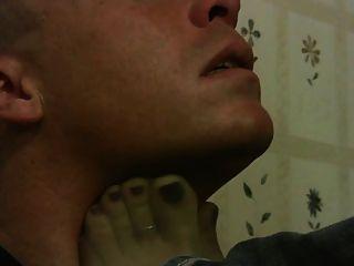 पैर की पूजा और सूँघने