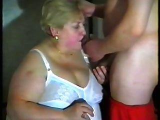नानी को मुंह और स्तन में दूध पसंद है
