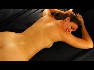 गर्म पत्नी उसके गधे में काले लंड प्यार करता है
