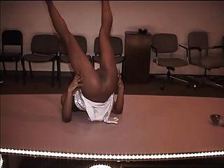 आकर्षक स्ट्रिपर स्लॉट नकद के लिए नृत्य