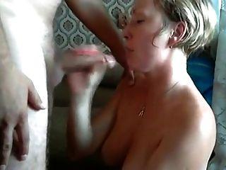 मैं उसके मुंह पत्नी में शुक्राणु डाल