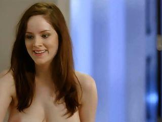 एपिसोड में सोफी रैंडल विशाल स्तन