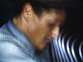 डैनील मार्टिन को बिली डी द्वारा गड़बड़ दिया जाता है