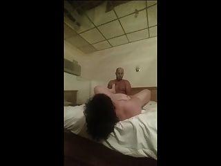 बीबीडब्ल्यू कमबख्त और उड़ाने वाला इतालवी प्रेमी