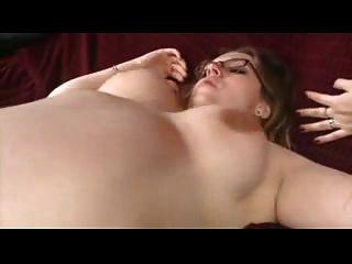 चश्मे के साथ गर्भवती BBW नील