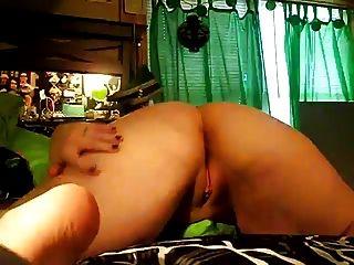 सींग का गलफुला लड़की उसके गधे से पता चलता है