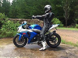 str8 खेल बाइक झटका और सह