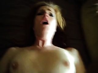 परिपक्व पत्नी कमबख्त और कम चेहरे