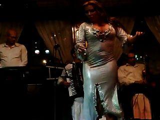 जोना साहिरह बेली डांसर बड़ा गधा नील कमाल 2015 में