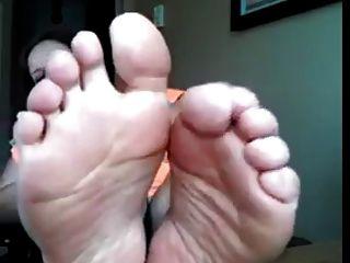 बीबीडब्ल्यू पसीने वाले तलवों, पैर की उंगलियों का प्रसार