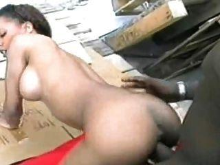 आबनूस वेश्या बीबीसी लेता है