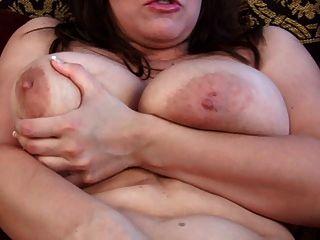 ओला पर बड़ा saggy स्तन