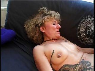 टैटू दादी