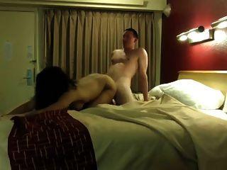 गर्म होटल रूम कमबख्त