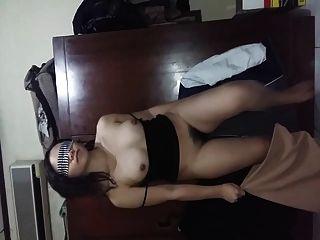 इंडोनेशियाई gf उसके बालों बिल्ली स्तन और गधे से पता चलता है