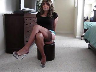 सेक्सी नीचे पहनने के कपड़ा में सुंदर सीडी