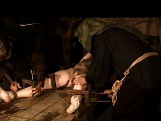 पूछताछ के मध्ययुगीन तरीका 1