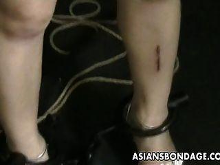 एशियाई किशोरों को उसके नर्डी मास्टर द्वारा खेड़ा और पीक हो जाता है