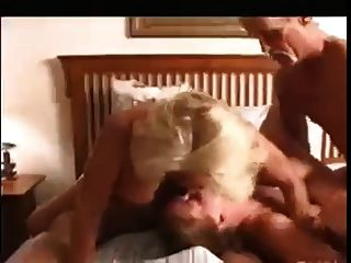 दादा और stepdaddy चारोंओम