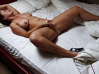 घर पर पत्नी