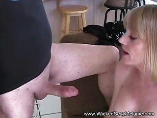 दो लंड मिल्की मेलानी के लिए