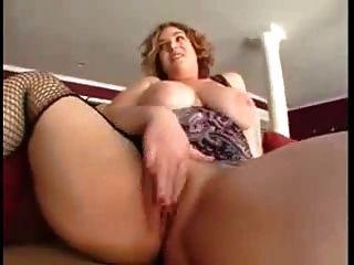 सेक्सी बीबीडब्ल्यू milf एक अच्छा बकवास आनंद मिलता है